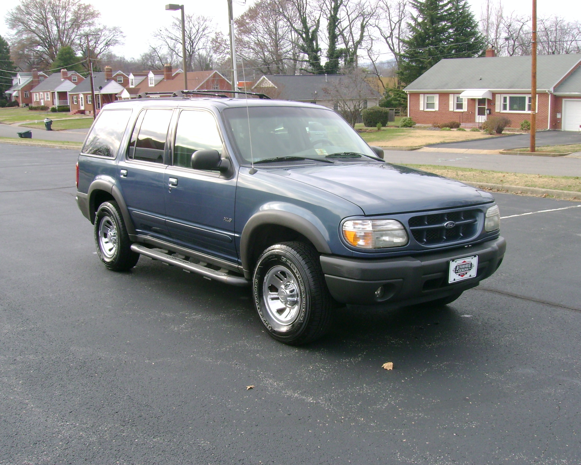 2358 x 1887 in 2000 ford explorer