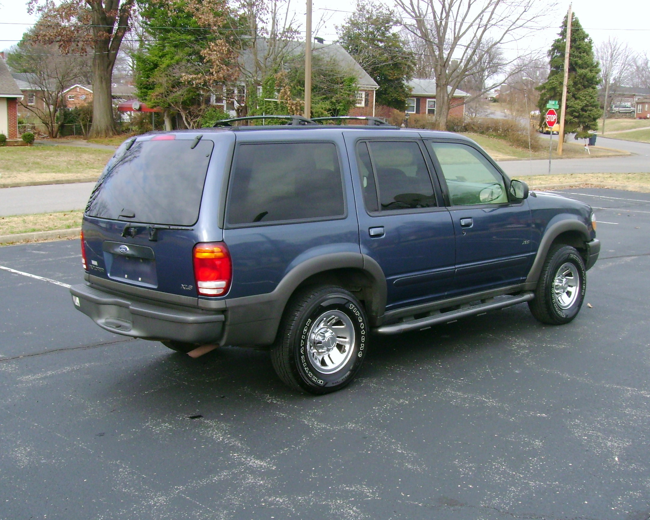 2164 x 1731 in 2000 ford explorer