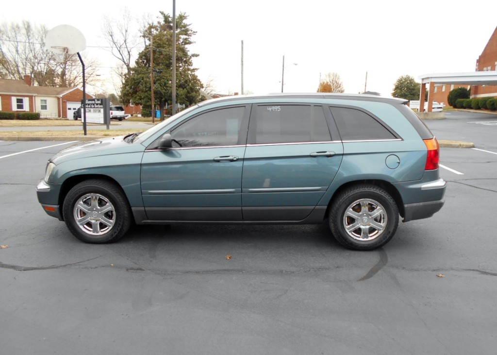 2005 chrysler pacifica tires size