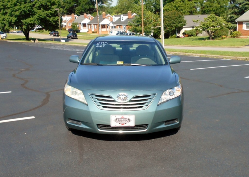 2007 Toyota Camry LE 003