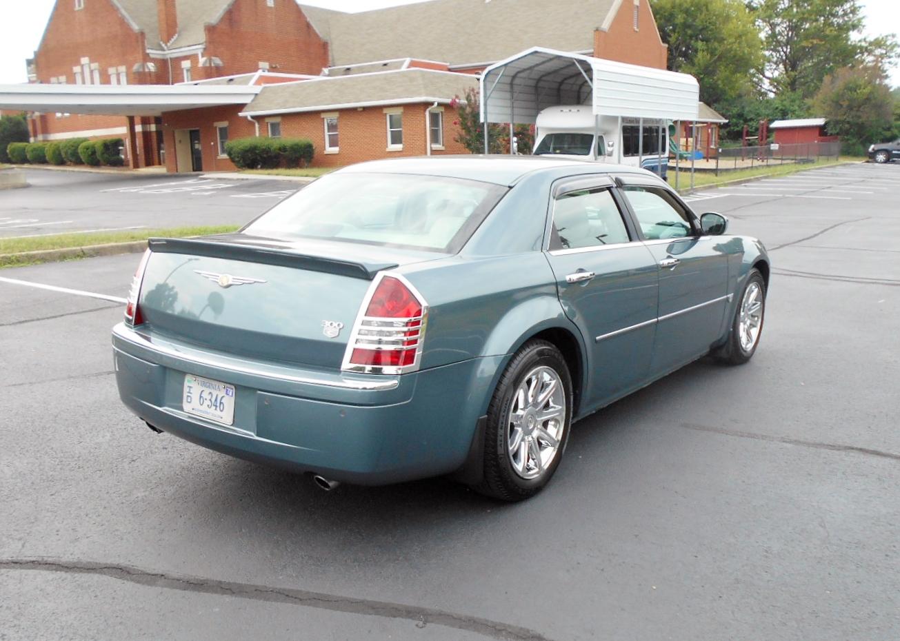 2005 Chrysler 300C Hemi 2005 Chrysler 300c Hemi 005  Automobile