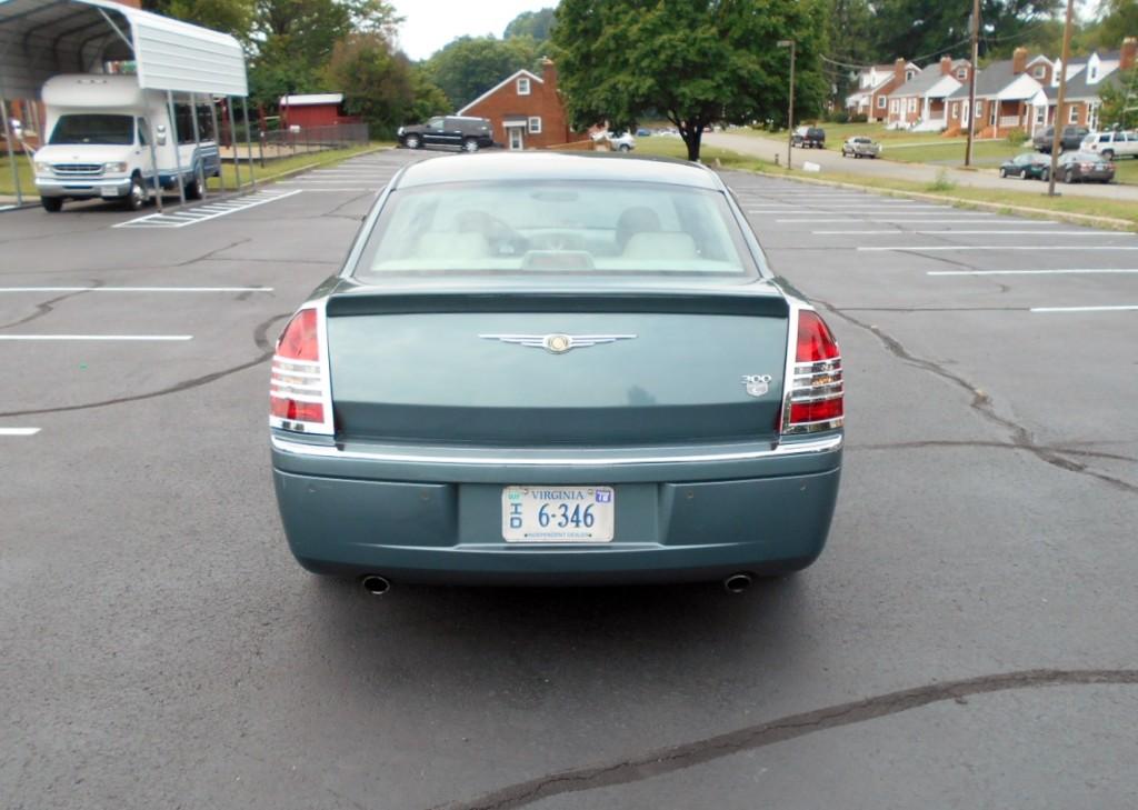 2005 Chrysler 300c Hemi 006