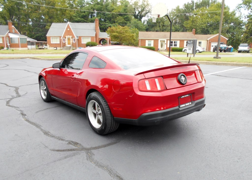2010 Ford Mustang 007