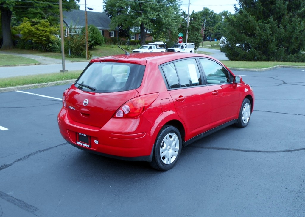 2010 Nissan Versa 005