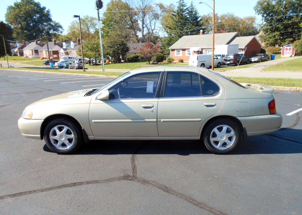 1998 Nissan Altima 001