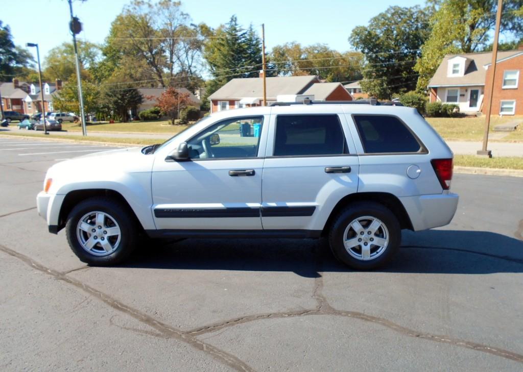 2006 Jeep Grand Cherokee Laredo 001