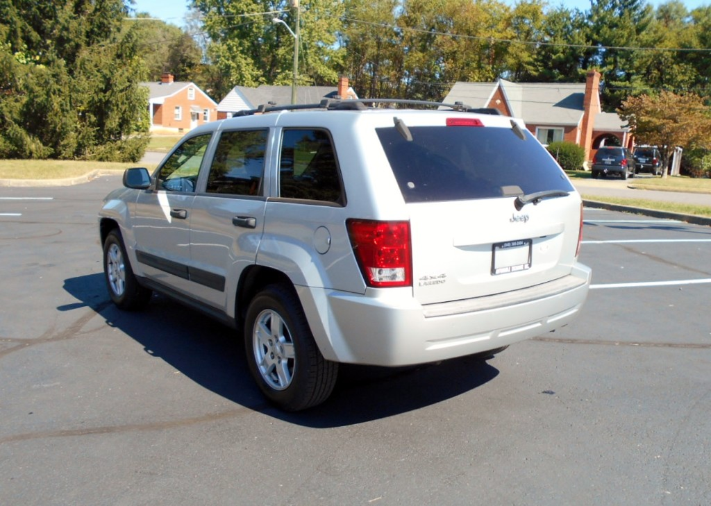 2006 Jeep Grand Cherokee Laredo 008