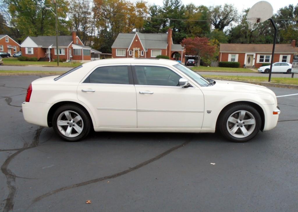 2007 Chrysler 300C Hemi 006