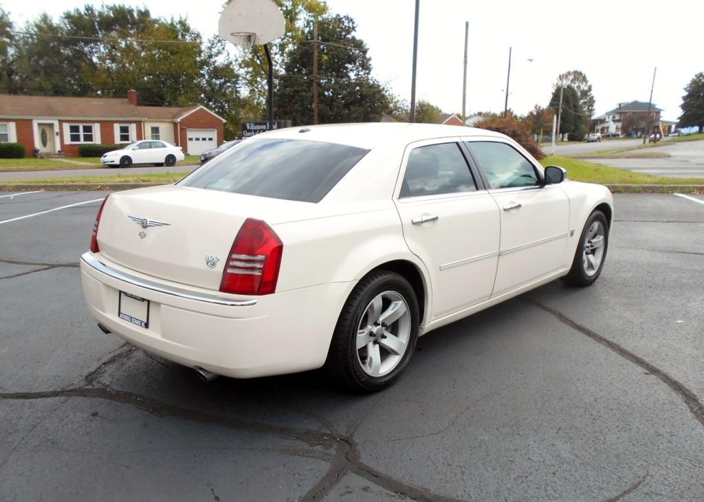 2007 Chrysler 300C Hemi 007