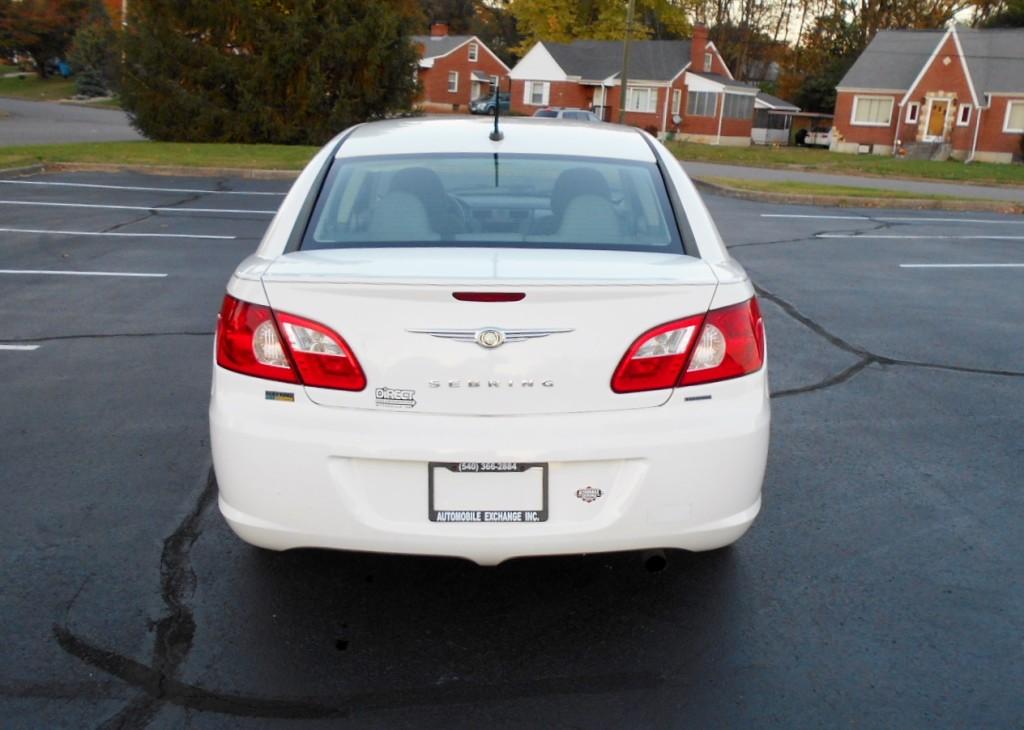 2008 Chrysler Sebring 007