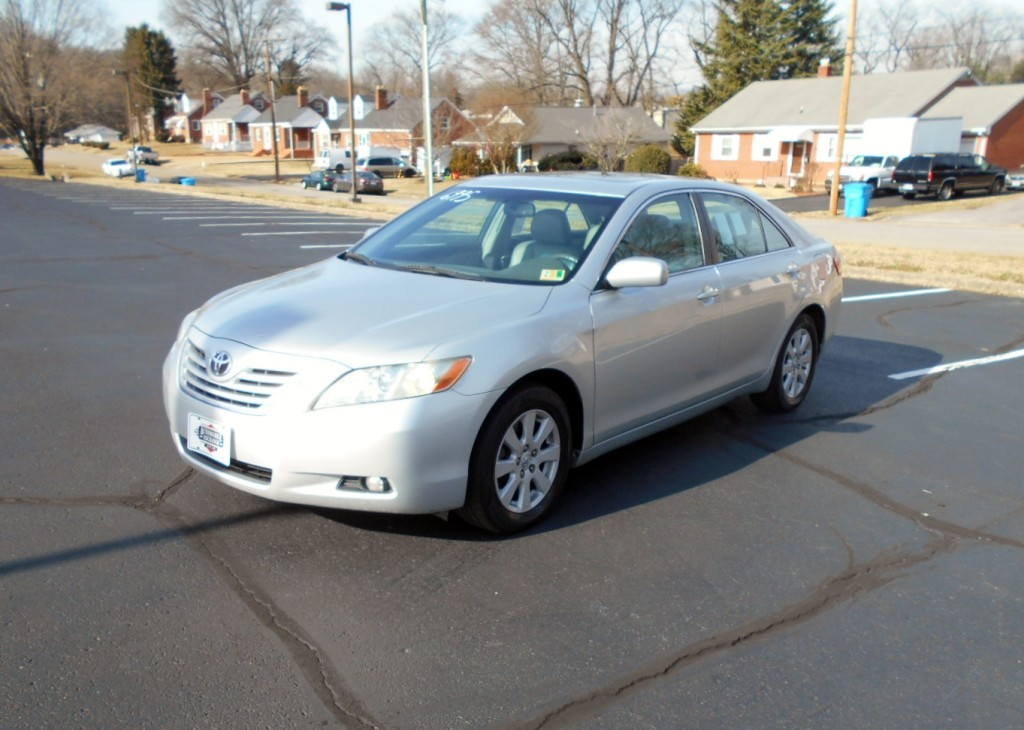 2008 Toyota Camry XLE 002