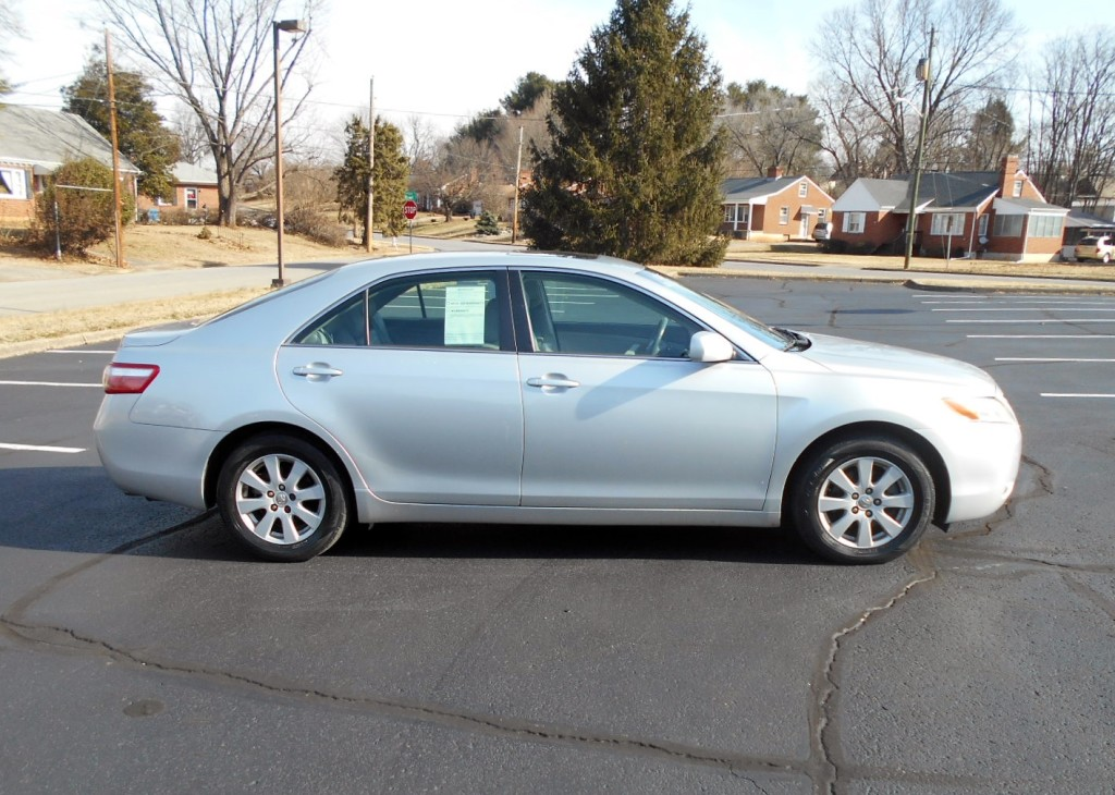 2008 Toyota Camry XLE 005