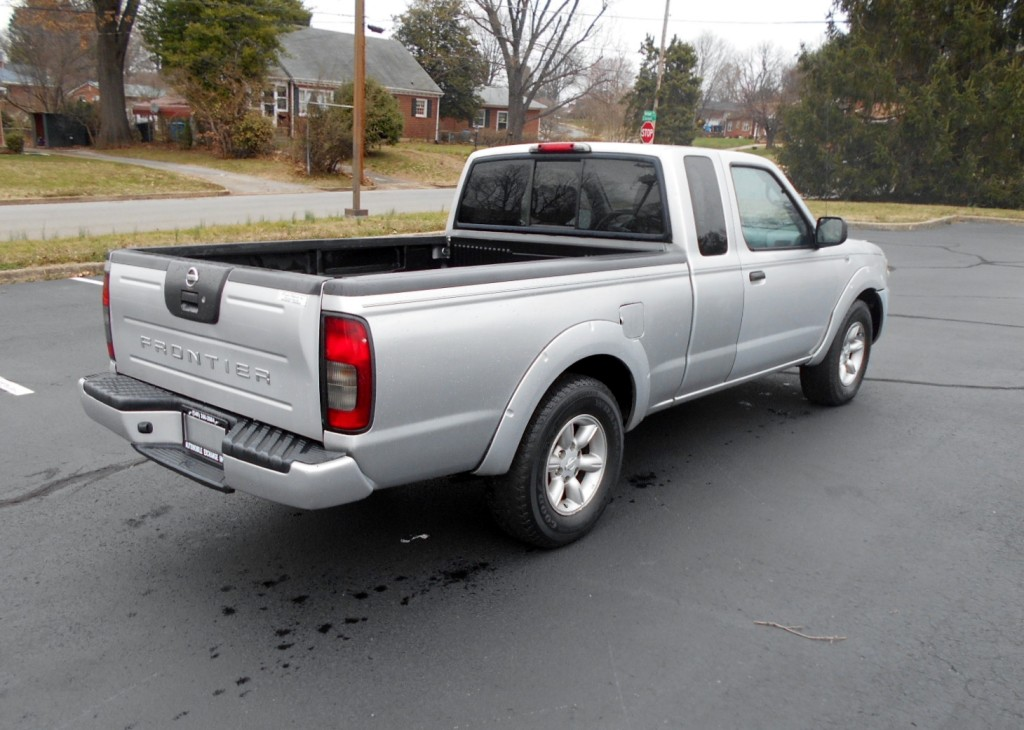 2004 Nissan Frontier King Cab XE 2004 Nissan Frontier King ...